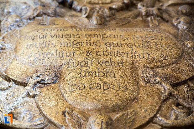 mesaj-de-pe-mormantul-din-biserica-domneasca-adormirea-maicii-domnului-din-targoviste-judetul-dambovita.jpg