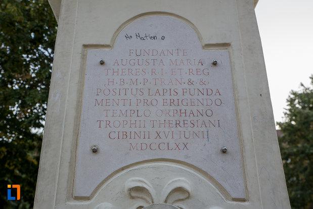 mesaj-latin-de-pe-bustul-imparatesei-maria-theresia-din-sibiu-judetul-sibiu.jpg