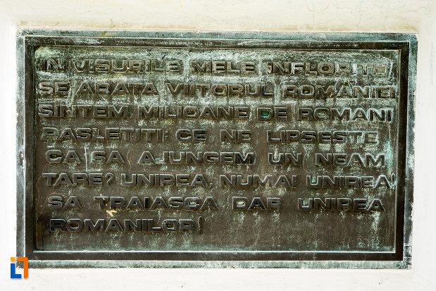 mesaj-pentru-romani-statuia-lui-costache-negri-din-galati-judetul-galati.jpg