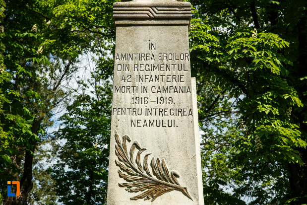 mesaj-si-simbol-de-pe-monumentul-eroilor-din-dragasani-judetul-valcea.jpg