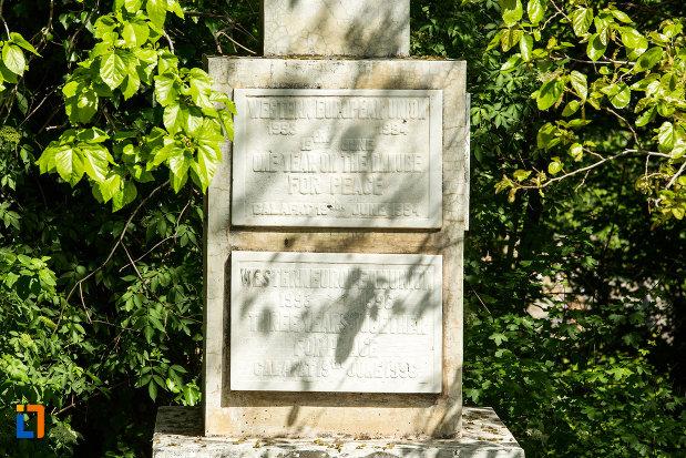 mesaje-de-pe-obeliscul-din-calafat-judetul-dolj.jpg