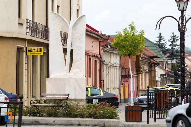 monument-din-orasul-caransebes-judetul-caras-severin.jpg