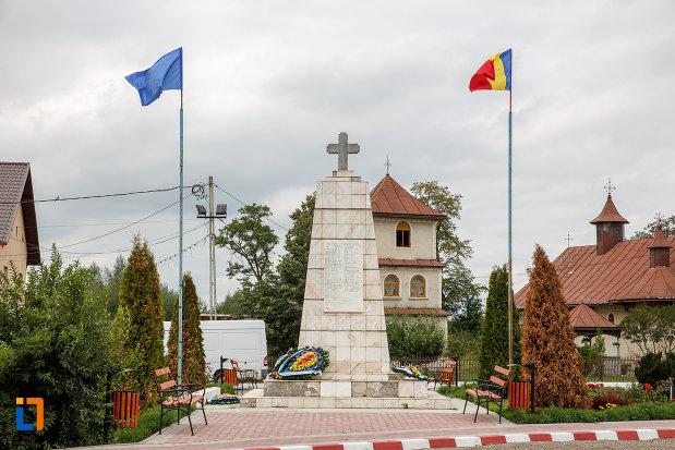 monument-din-orasul-milisauti-judetul-suceava.jpg