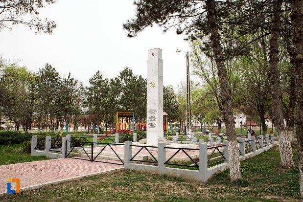 monumentul-atmatei-sovietice-eliberatoare-din-ocna-mures-judetul-alba.jpg