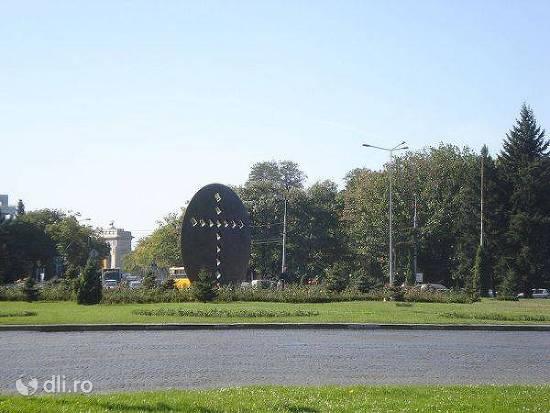 monumentul-crucea-secolului.jpg
