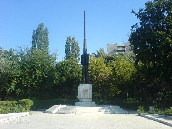 monumentul-eroilor-artileristi.jpg
