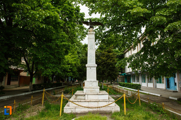 monumentul-eroilor-din-balcesti-judetul-valcea.jpg
