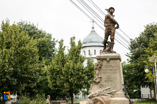 monumentul-eroilor-din-bolintin-vale-judetul-giurgiu.jpg
