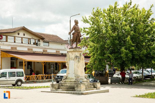 monumentul-eroilor-din-calafat-judetul-dolj.jpg