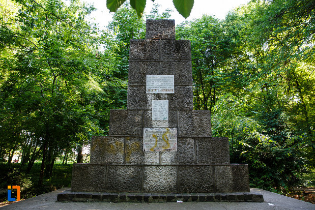 monumentul-eroilor-din-jimbolia-judetul-timis.jpg