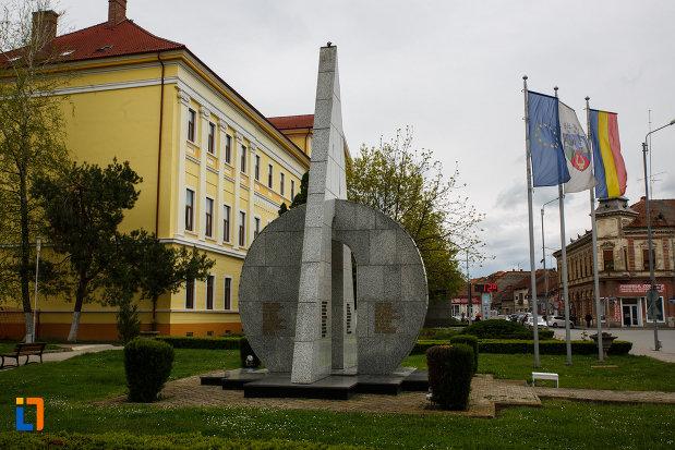 monumentul-eroilor-din-lugoj-judetul-timis.jpg