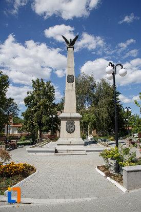 monumentul-eroilor-din-macin-judetul-tulcea.jpg