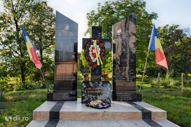 monumentul-eroilor-din-moiseni-judetul-satu-mare.jpg