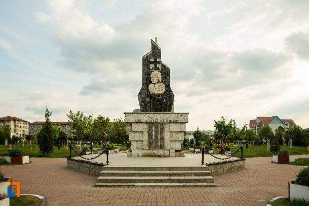 monumentul-eroilor-din-motru-judetul-gorj.jpg