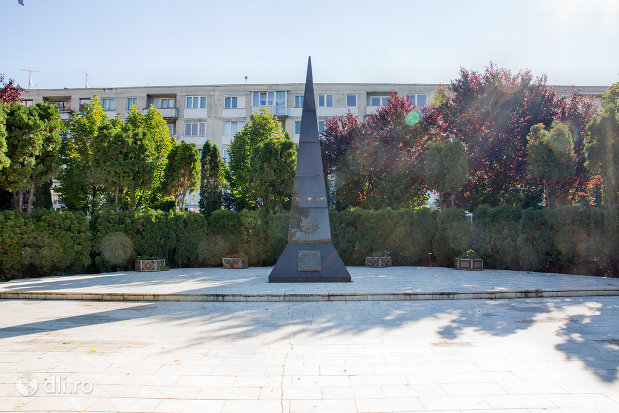 monumentul-eroilor-din-negresti-oas-judetul-satu-mare.jpg