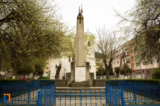 monumentul-eroilor-din-ocna-mures-judetul-alba.jpg