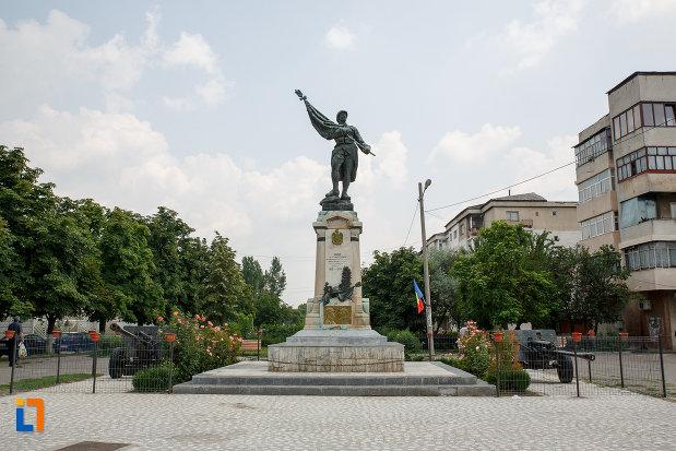 monumentul-eroilor-din-rosiori-de-vede-judetul-teleorman.jpg
