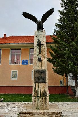monumentul-eroilor-din-santau-judetul-satu-mare.jpg