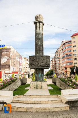 monumentul-eroilor-din-targoviste-judetul-dambovita.jpg