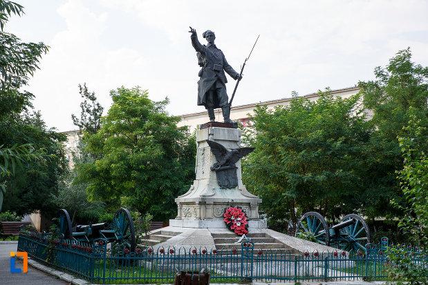 monumentul-eroilor-din-turnu-magurele-judetul-teleorman.jpg