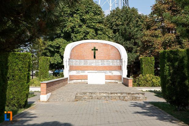 monumentul-eroilor-din-urziceni-judetul-ialomita.jpg