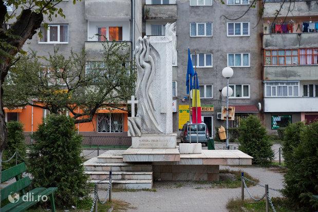 monumentul-eroilor-din-viseu-de-sus-judetul-maramures.jpg