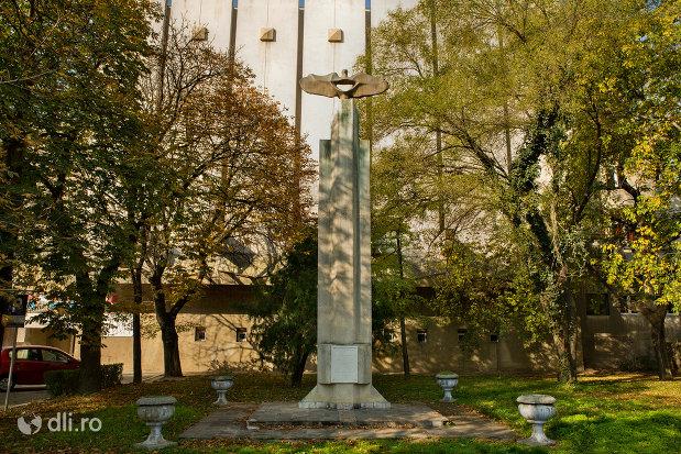 monumentul-eroilor-francezi-din-oradea-judetul-bihor.jpg