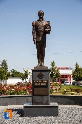 monumentul-eroilor-neamului-din-sannicolau-mare-judetul-timis.jpg