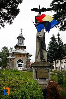 monumentul-eroilor-razboiului-de-independenta-din-azuga-judetul-prahova.jpg