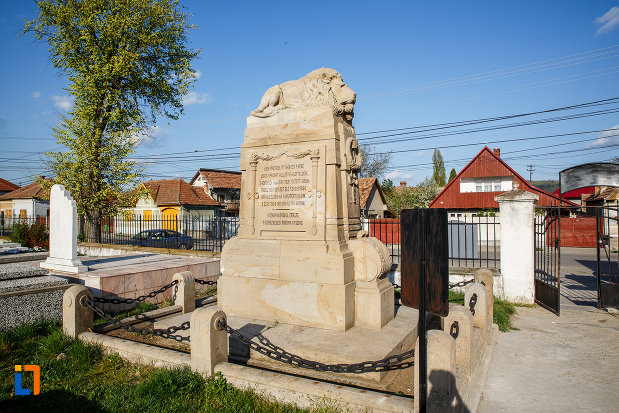 monumentul-eroilor-revolutiei-de-la-1848-1849-din-sebes-judetul-alba-vazut-din-spate.jpg