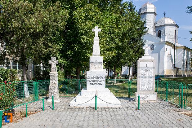 monumentul-eroilor-revolutiei-din-1989-din-cazanesti-judetul-ialomita.jpg
