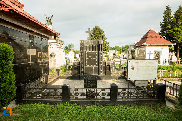 monumentul-funerar-al-tipografului-n-d-milosescu-din-targu-jiu-judetul-gorj.jpg
