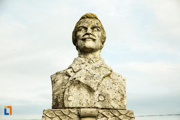 monumentul-funerar-de-la-mormantul-generalului-gh-magheru-din-targu-jiu-judetul-gorj.jpg