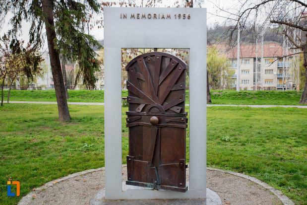 monumentul-in-memoriam-1956-din-cluj-napoca-judetul-cluj.jpg