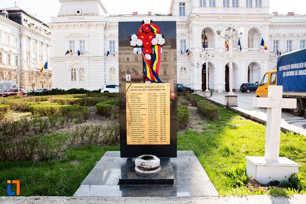 monumentul-inchinat-eroilor-revolutiei-din-1989-din-arad-judetul-arad.jpg