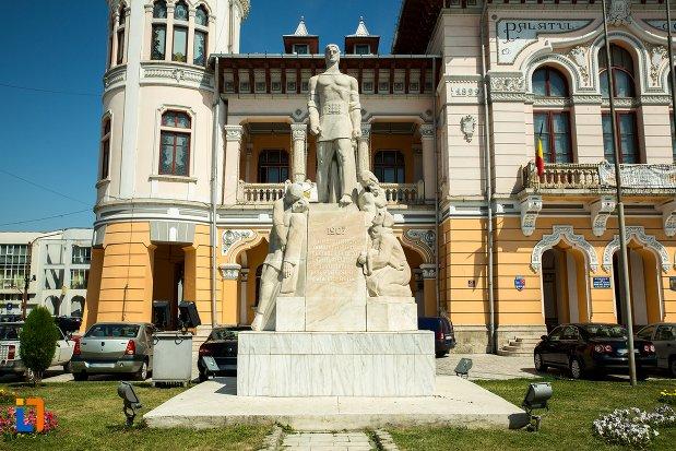 monumentul-inchinat-rascoalei-din-1907-din-buzau-judetul-buzau.jpg