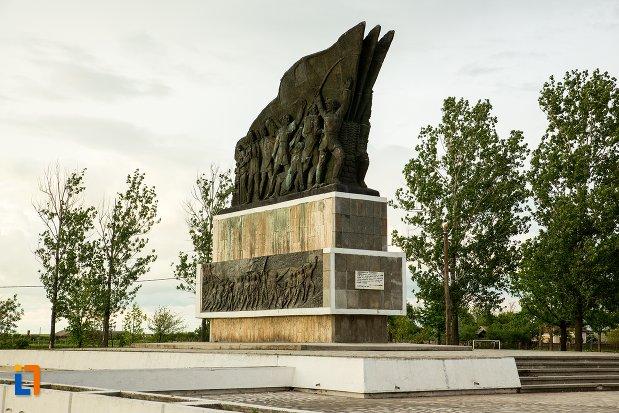 monumentul-independentei-de-langa-corabia-judetul-olt.jpg
