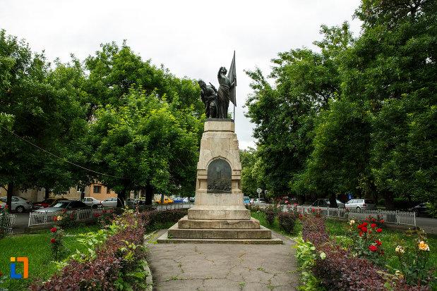 monumentul-independentei-din-focsani-judetul-vrancea.jpg