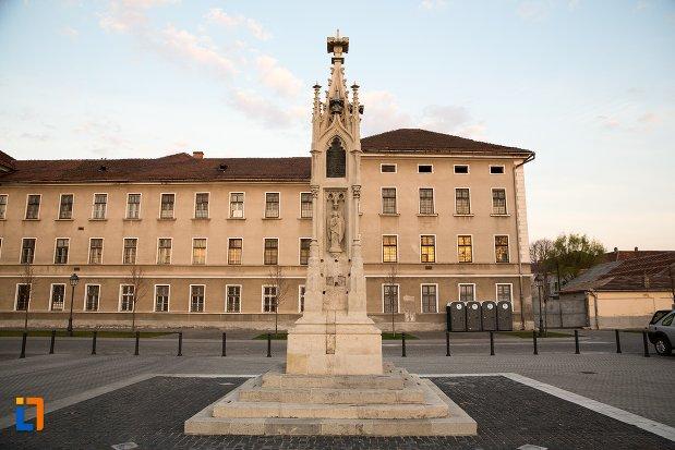 monumentul-losenau-din-alba-iulia-judetul-alba.jpg