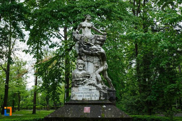 monumentul-lui-barbu-stirbei-din-ramnicu-valcea-judetul-valcea-pozat-din-fata.jpg