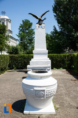 monumentul-ostasului-necunoscut-din-oltenita-judetul-calarasi.jpg