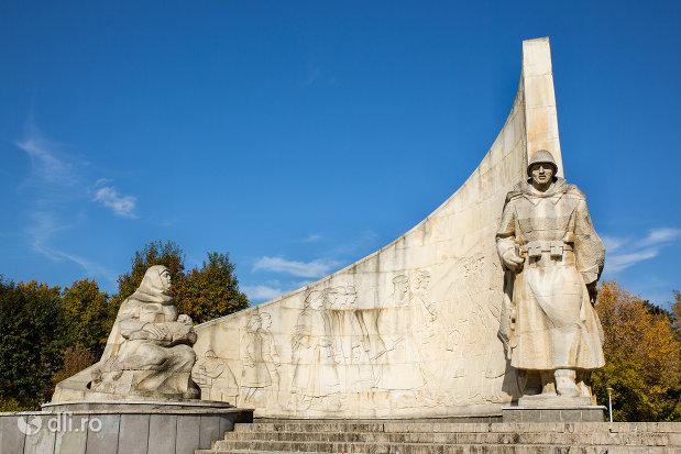 monumentul-ostasului-romandin-baia-mare-judetul-maramures.jpg