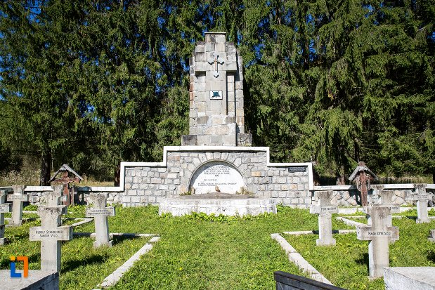 monumentul-si-cimitirul-eroilor-din-primul-razboi-mondial-din-predeal-judetul-brasov.jpg
