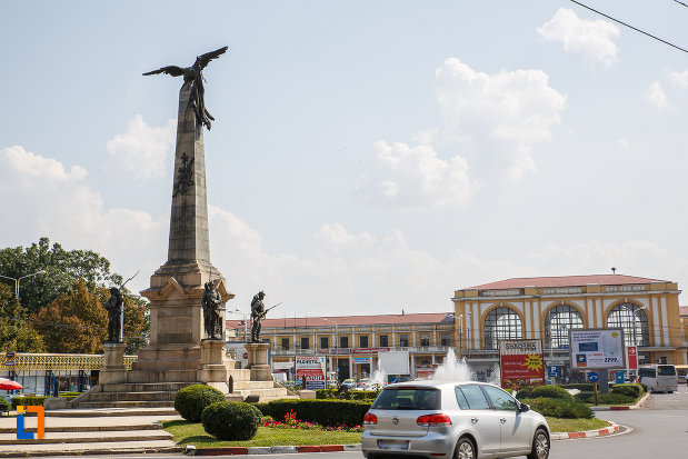 monumentul-vanatorilor-din-razboiul-de-independenta-din-ploiesti-judetul-prahova-vazut-din-lateral.jpg