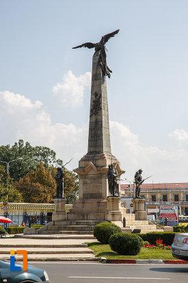 monumentul-vanatorilor-din-razboiul-de-independenta-din-ploiesti-judetul-prahova.jpg