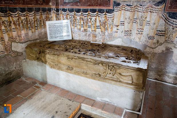 mormant-din-biserica-domneasca-adormirea-maicii-domnului-din-targoviste-judetul-dambovita.jpg