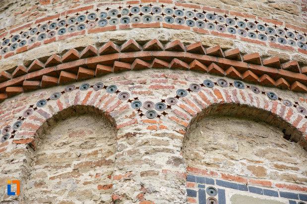 motive-decorative-de-la-biserica-sf-treime-1352-din-siret-judetul-suceava.jpg