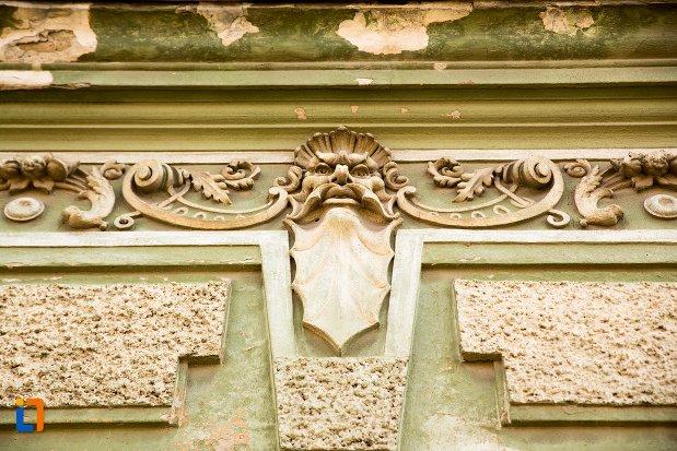 motive-decorative-din-ansamblul-urban-str-primaverii-din-alba-iulia-judetul-alba-casa-nr-22.jpg