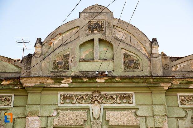 motive-decorative-din-ansamblul-urban-str-primaverii-din-alba-iulia-judetul-alba.jpg