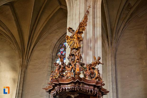 motive-decorative-din-biserica-sfantul-mihail-din-cluj-napoca-judetul-cluj.jpg